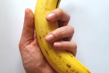 banana-close-up-delicious-2280926.jpg